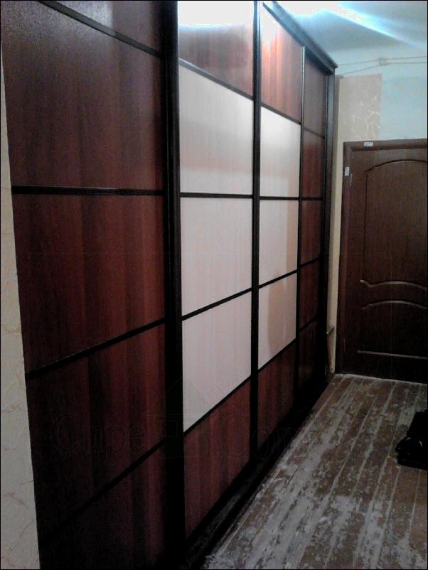 ЛДСП и цветные, а так же матовые стекла в основе дверей купе для шкафов и проемов фото